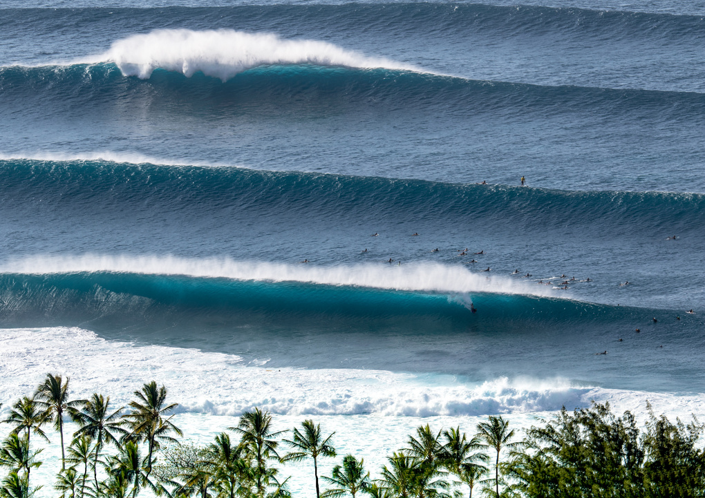 Swell Lines by Micah Roemmling