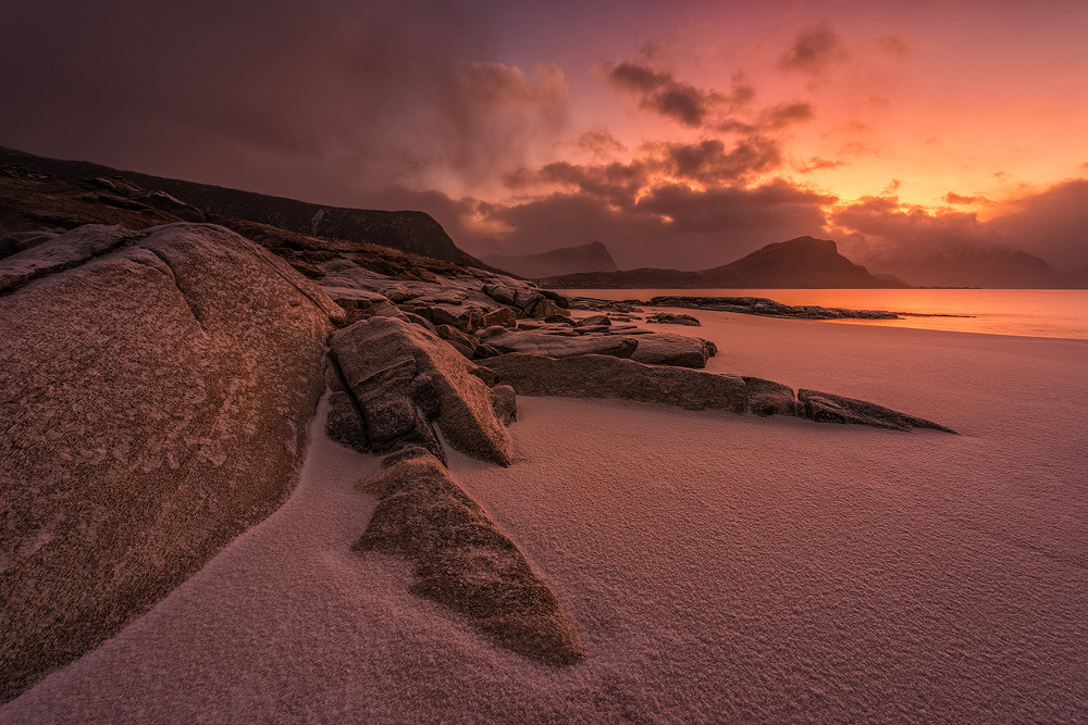 [ … arctic beach ] by Raymond Hoffmann