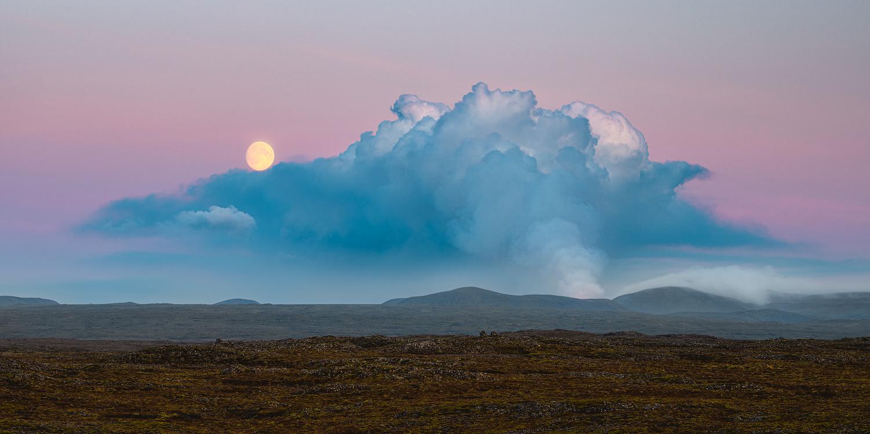 [ ... full moon ] by Raymond Hoffmann