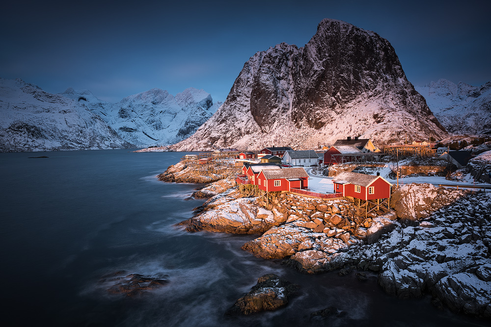 [ … spotlight ] by Raymond Hoffmann
