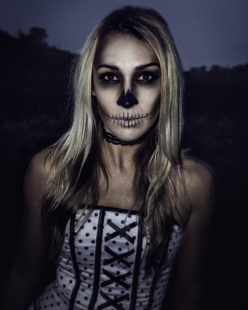 skeleton princess 2 by Robert Wagner