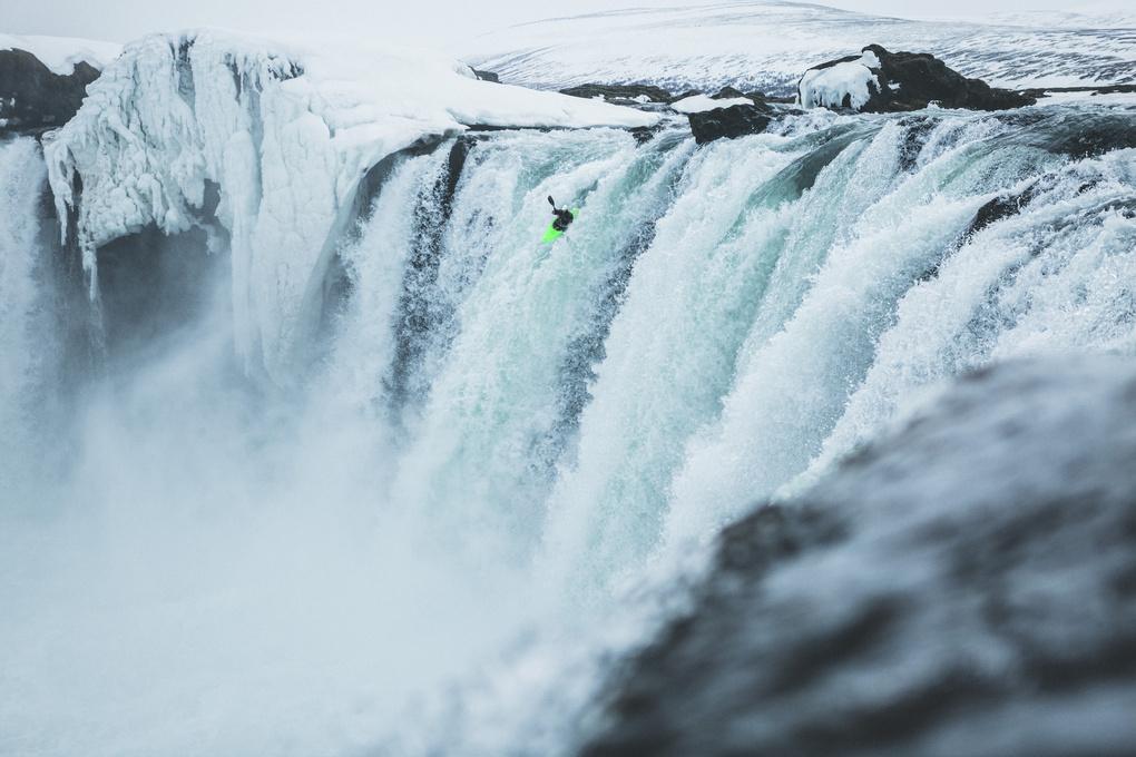 KAYAK   ICELAND by Cedric Schanze