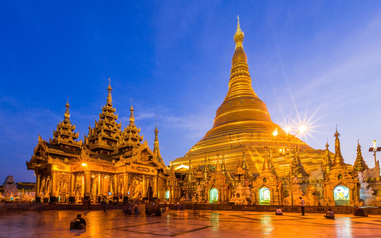 Shwedagon Pagoda  by Gabriele Zanon