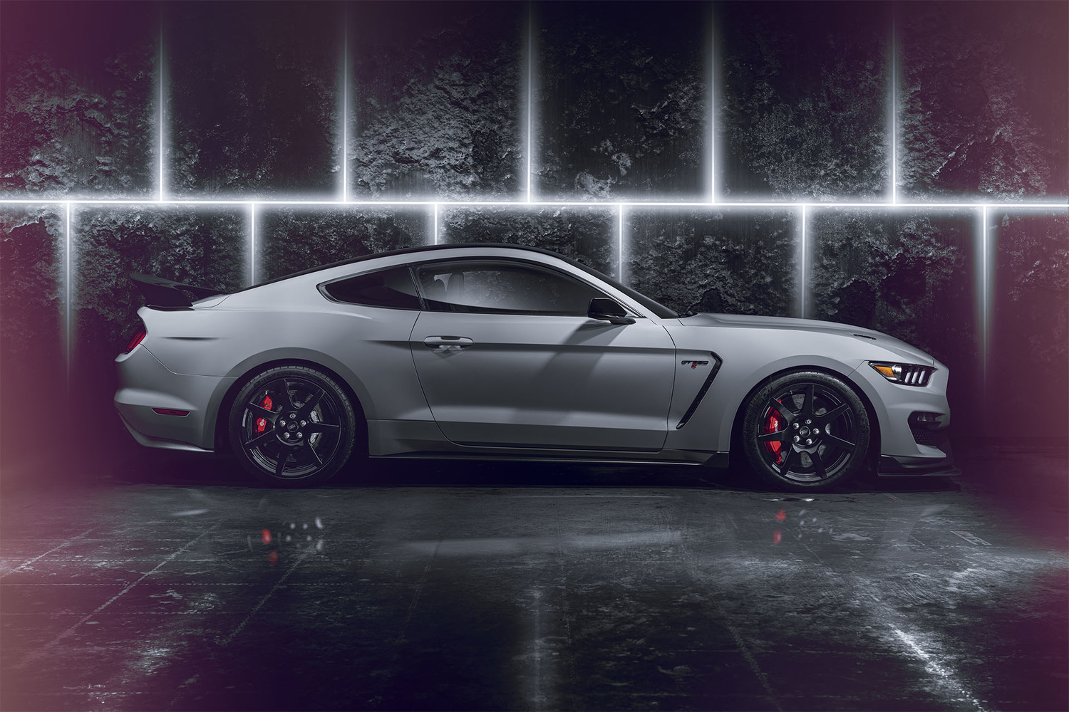 Shelby GT350R by Graham Taylor