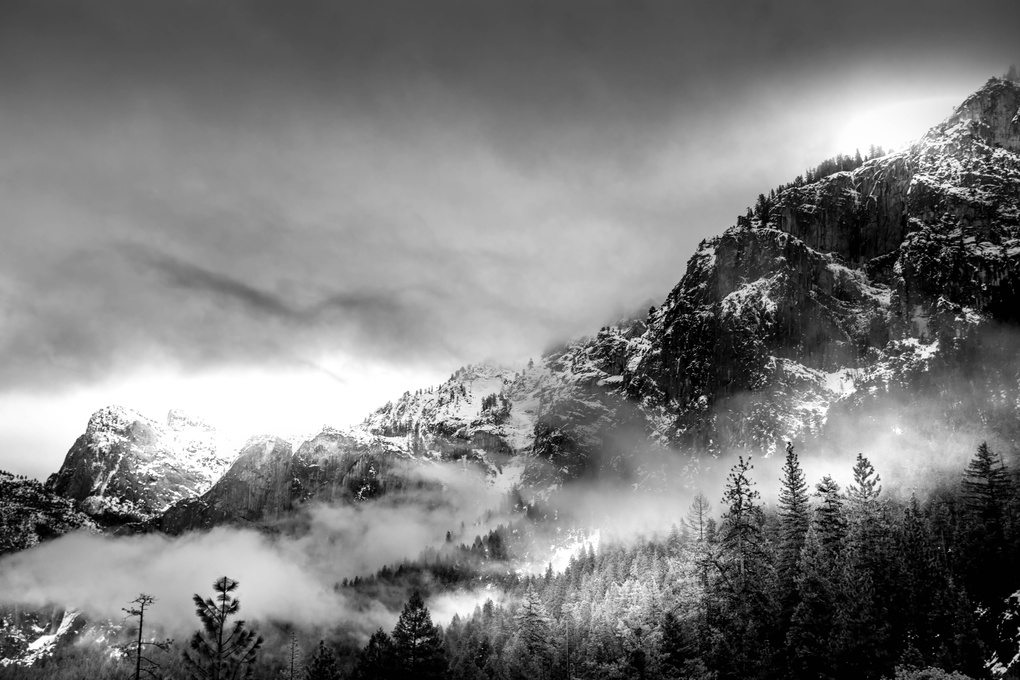 Yosemite under clouds by LOULOUA ASGARALY