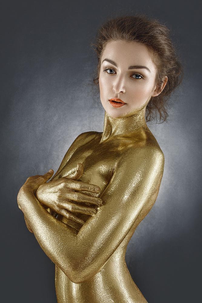 Gold Girl by Tomasz Ciesielski