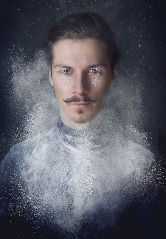 Flour Majesticé  by Noel Edling