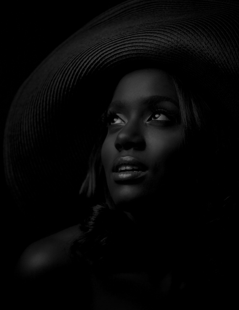 Arielle in B&W by Dos Imagery