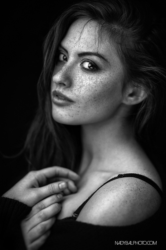 Ania in black by Kamil Nadybal