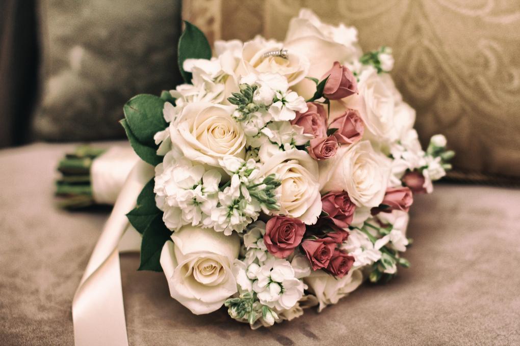 The bouquete by Josue Martinez
