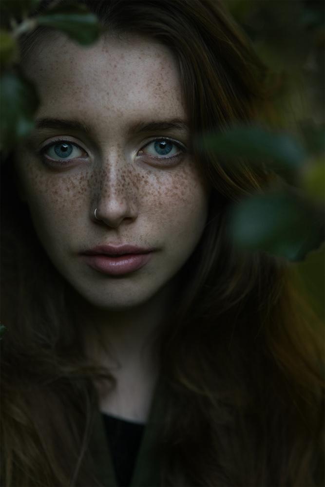 Lara by Marek Grohol