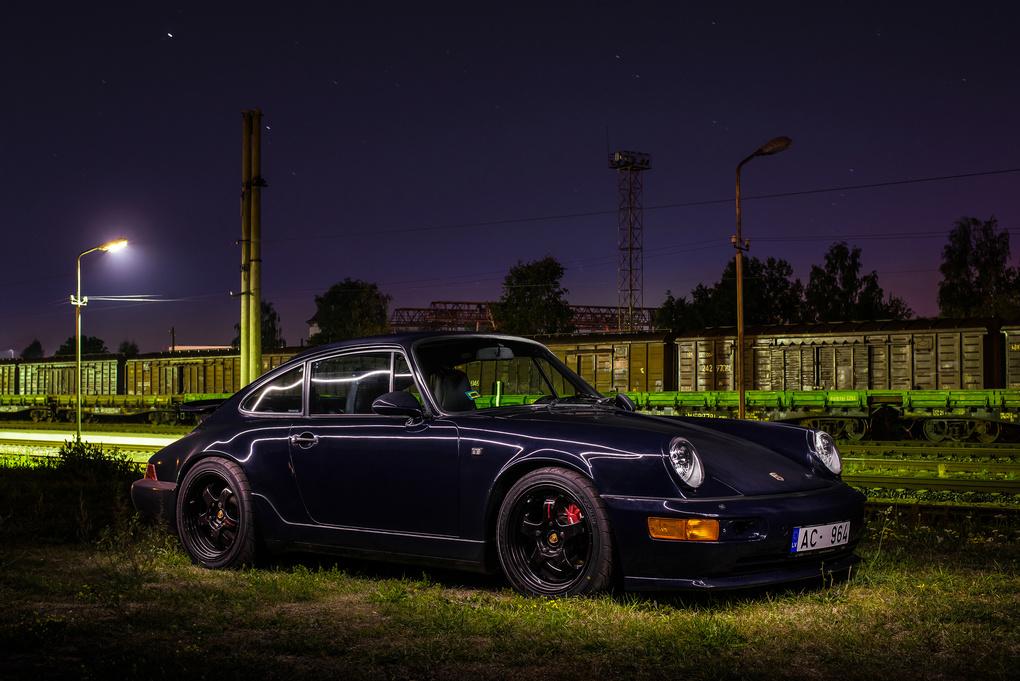 Porsche 911 Carrera 2 by Janis Petranis