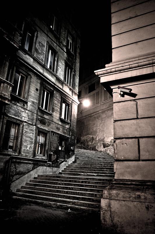 Alley in Rome by Wille Nyyssönen