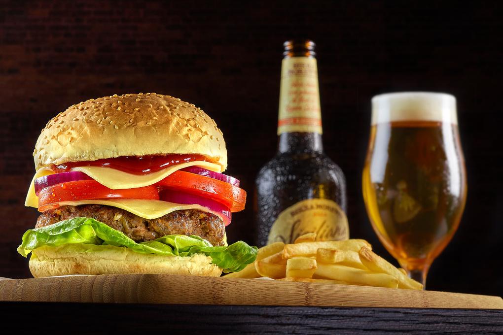 Double Cheese burger by Jonathan Raho