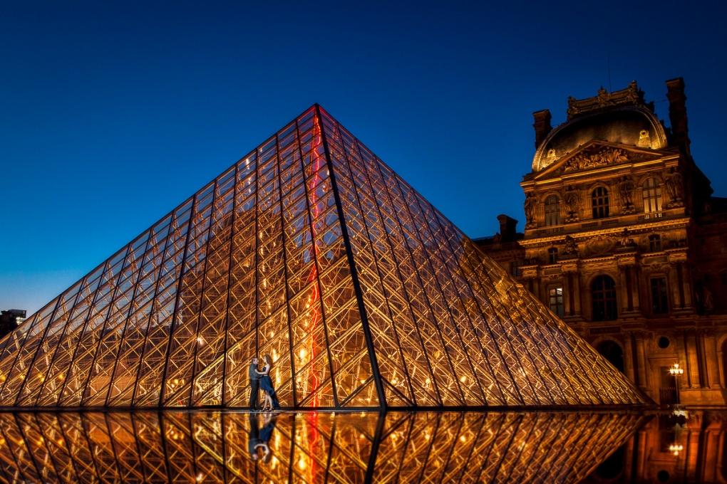 Love in Paris by Johann Schepelew