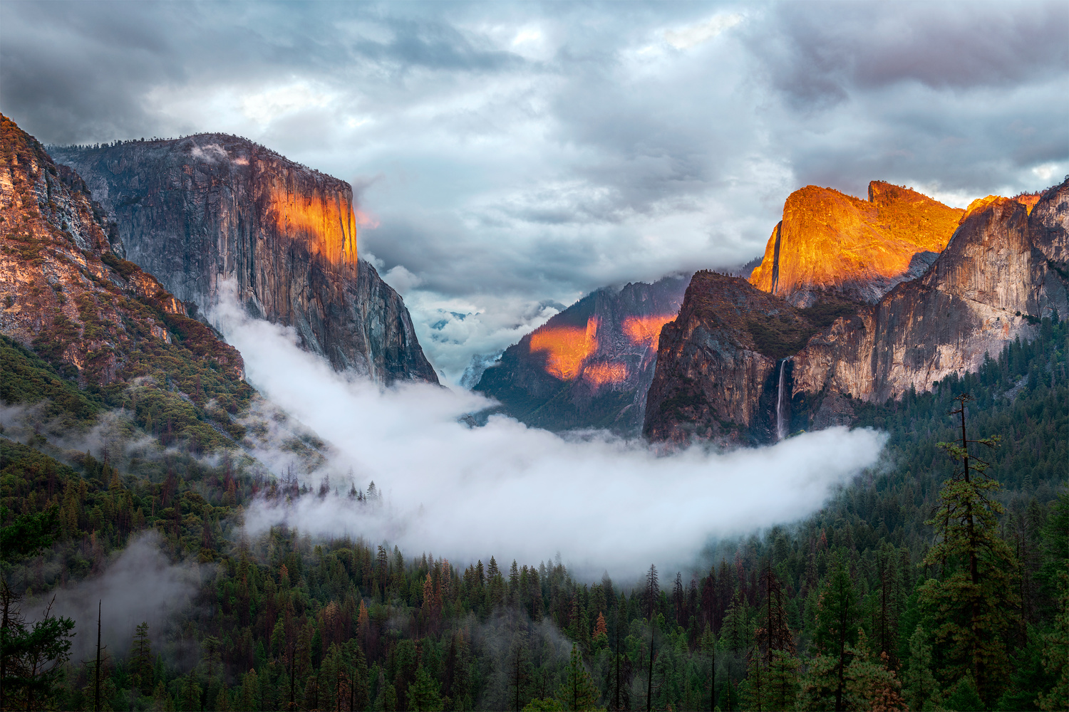 Yosemite Valley Tunnel View Sunset by Dan McCloud