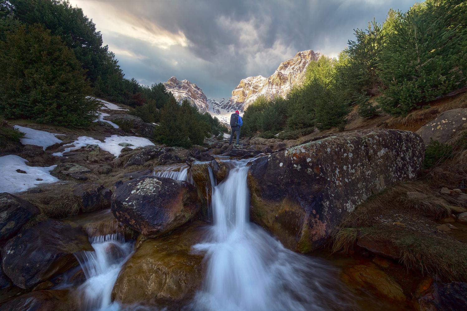 Sunrise in the creek by Ricardo Gayan