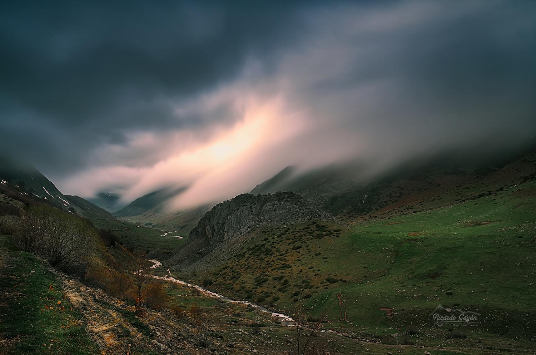 Fog in Valley of Guarrinza (Huesca-Spain) by Ricardo Gayan