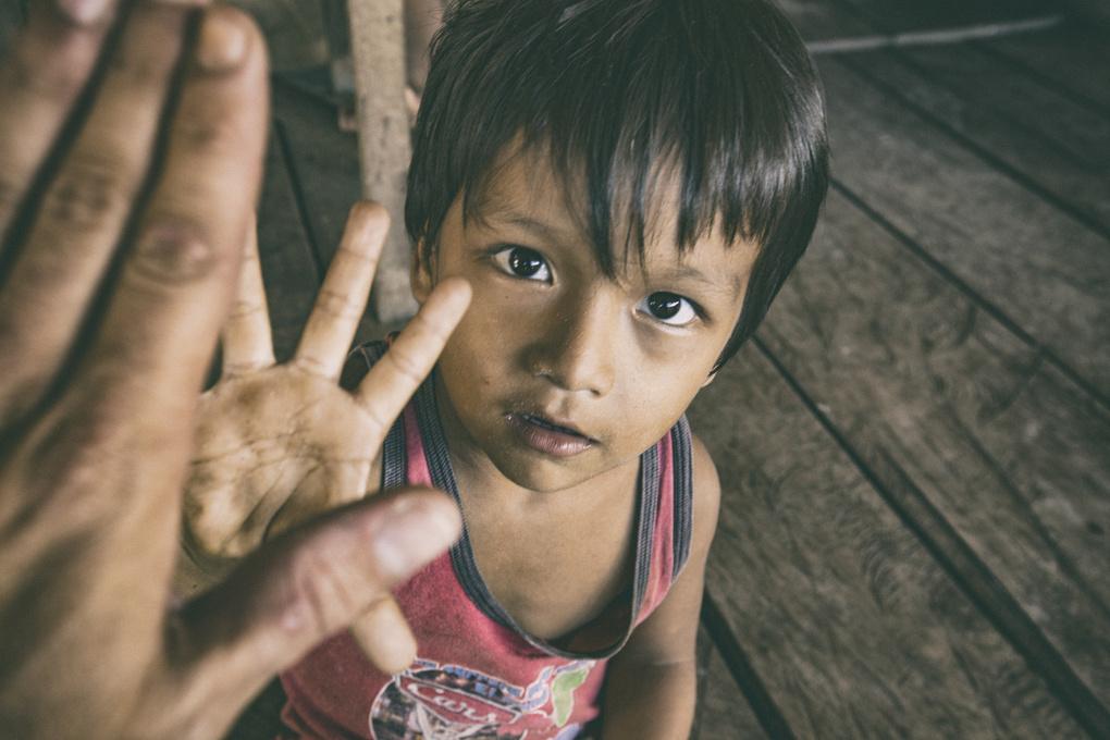 hi-five kid by Pedro Pulido