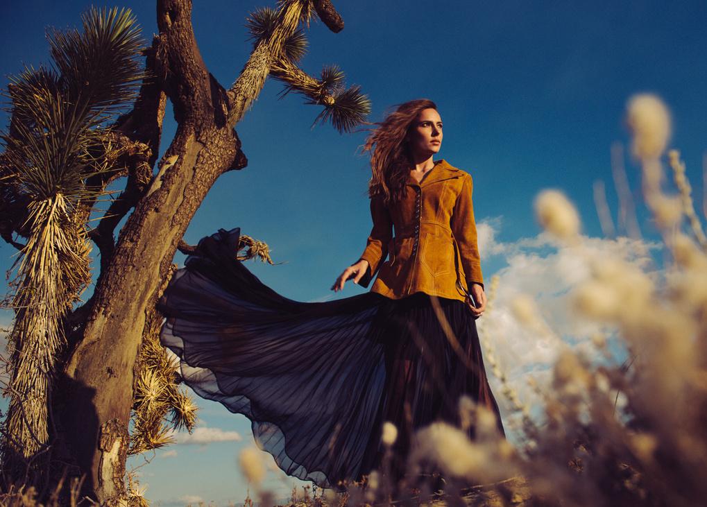 Andrea | Joshua Tree by Jean-Claude Vorgeack