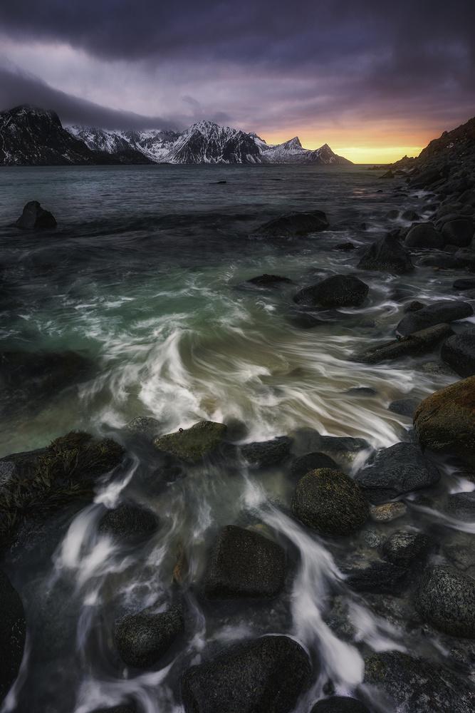 Coastal Flow by Mikkel Beiter