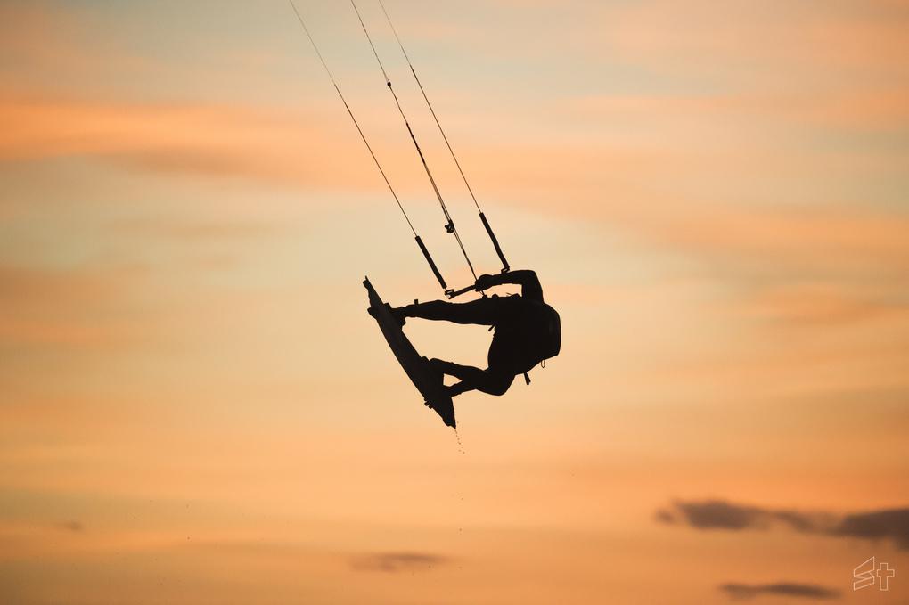 Sunrise wakeboarding  by cousi simon