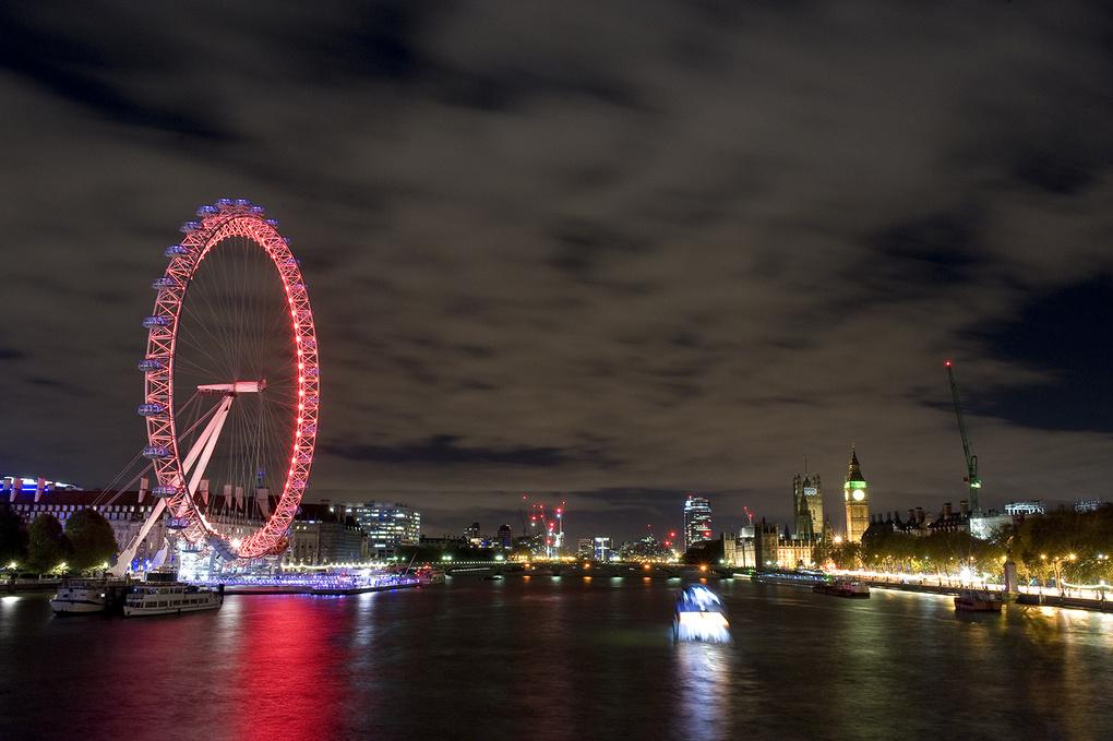 Londons Eye by Steven Barrington Smythe