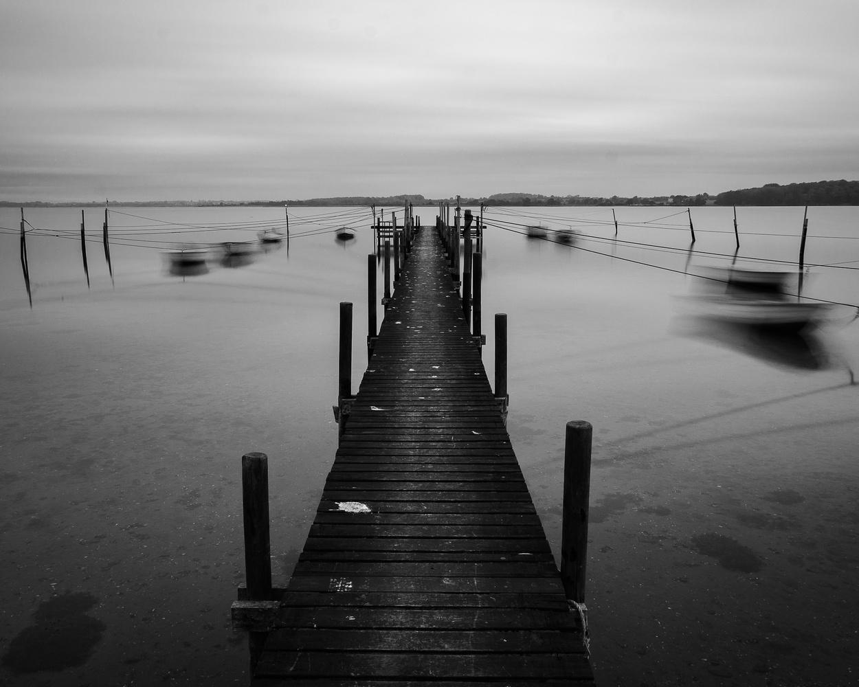 White on black by Thomas Villadsen