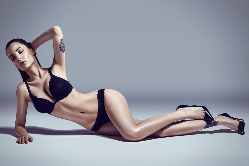 Lingerie with Jasmina by Quentin Decaillet