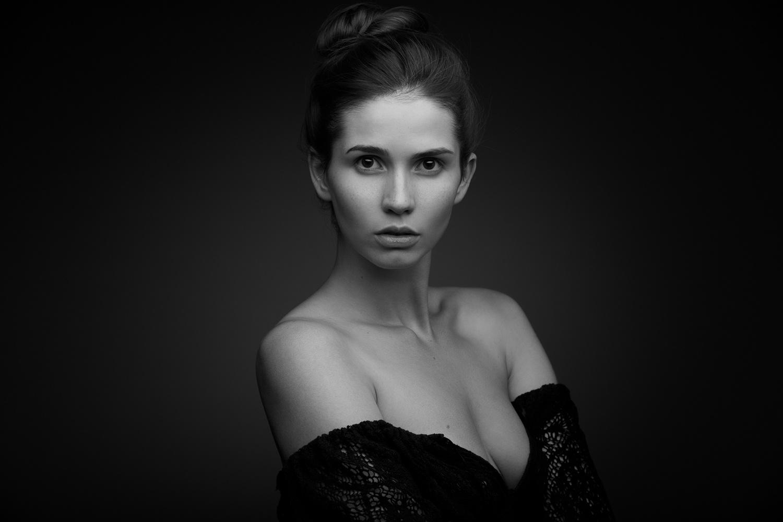 Maria by Ruslan Rakhmatov