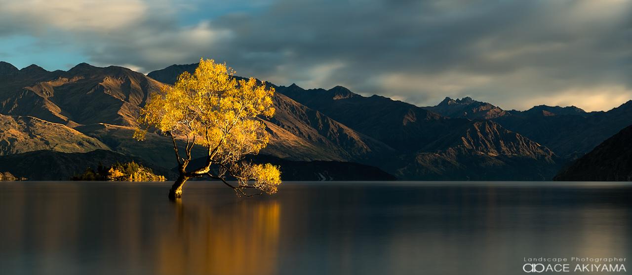 Lake Wanaka in New Zealand by Ace Akiyama