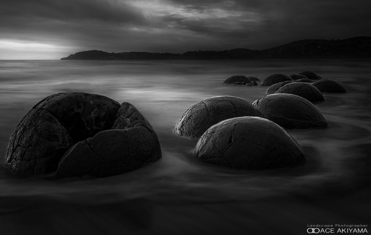 Moeraki Boulders by Ace Akiyama