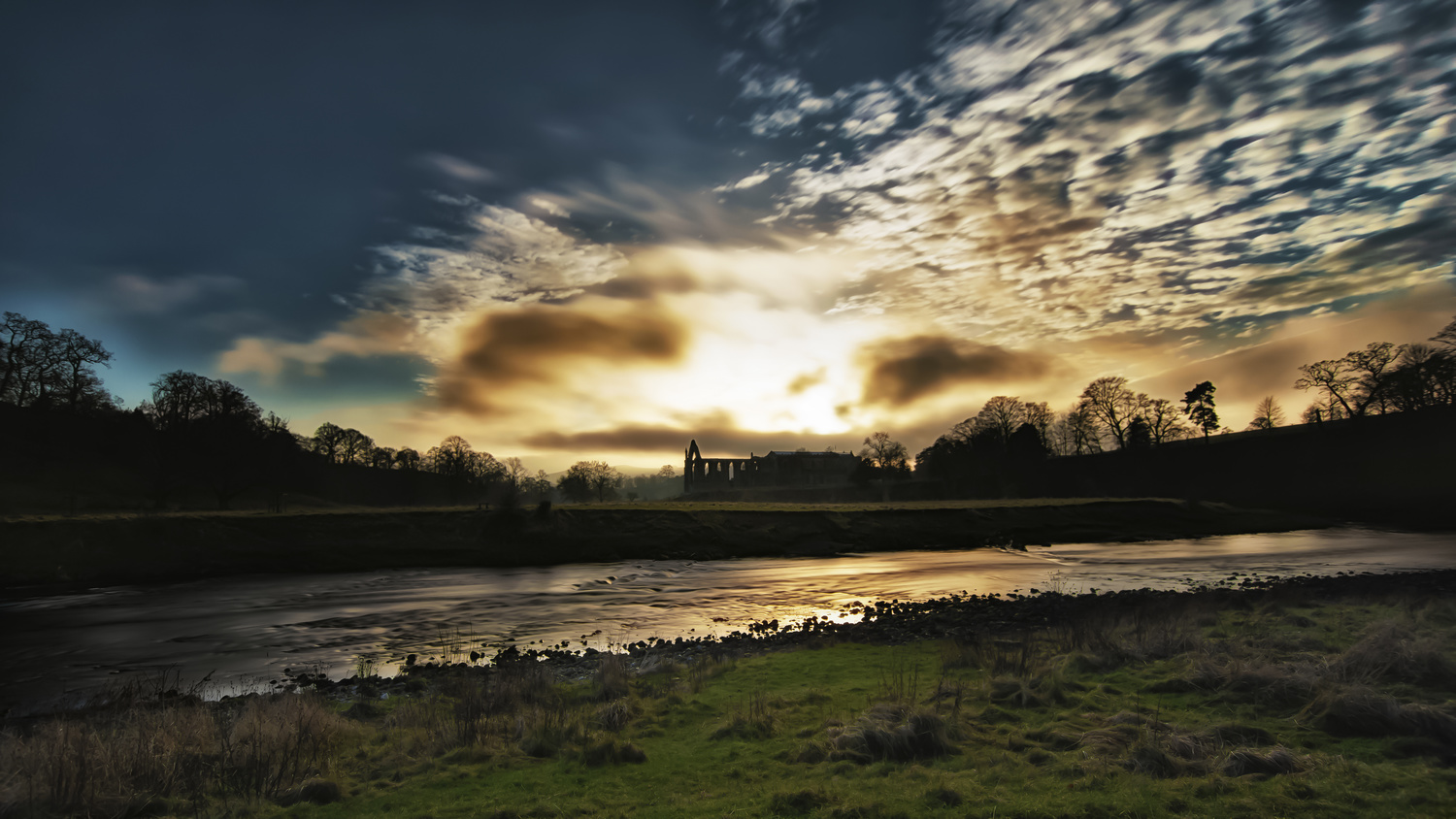 Bolton Abbey - Yorkshire by Chris 'stAn' Hargrave