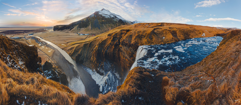 above Skógafoss by Dominik Steindl