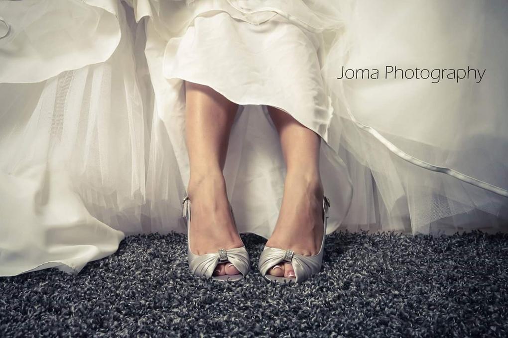 Waiting bride by josue martinez