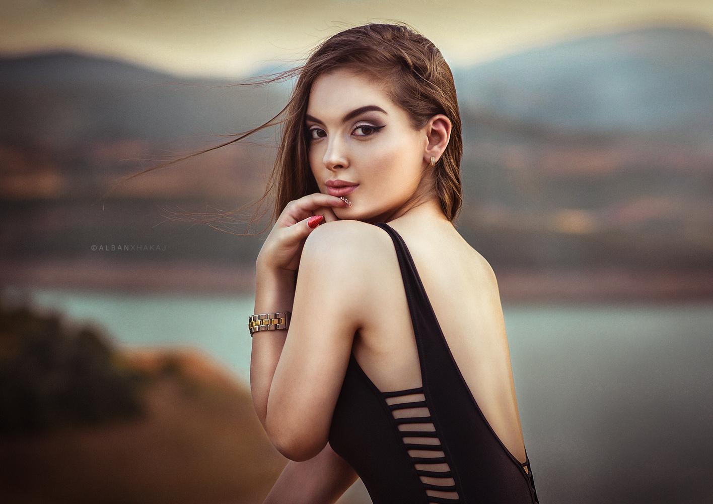 Sara by Alban Xhakaj