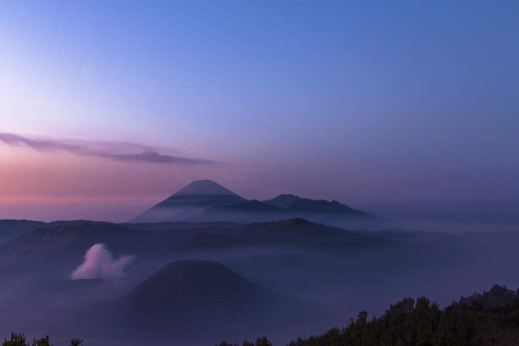 bromo sunrise by Tris White