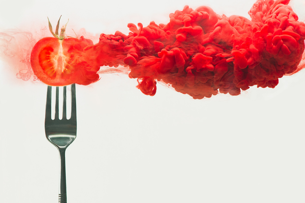 Disintegrated tomato by Dina Belenko