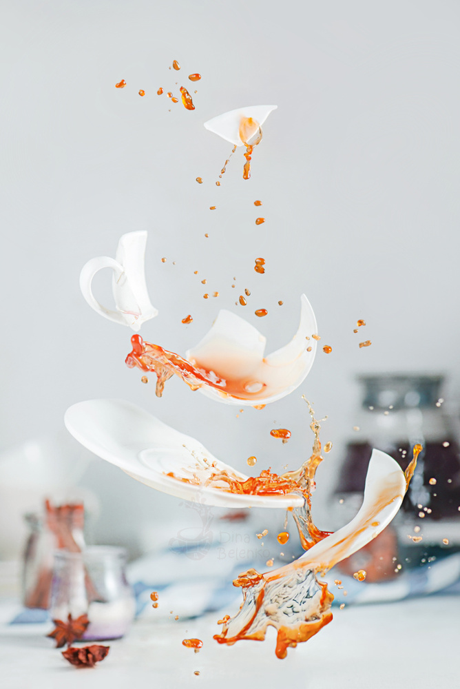 Broken cup by Dina Belenko