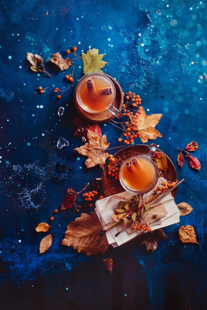 Autumn tea by Dina Belenko