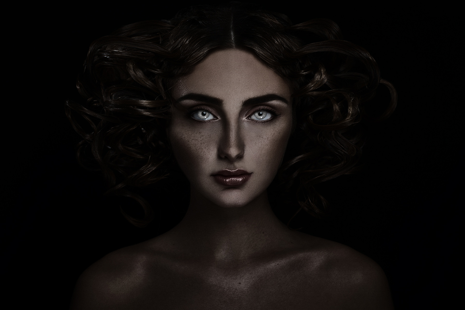 King Lioness by Marc lamey