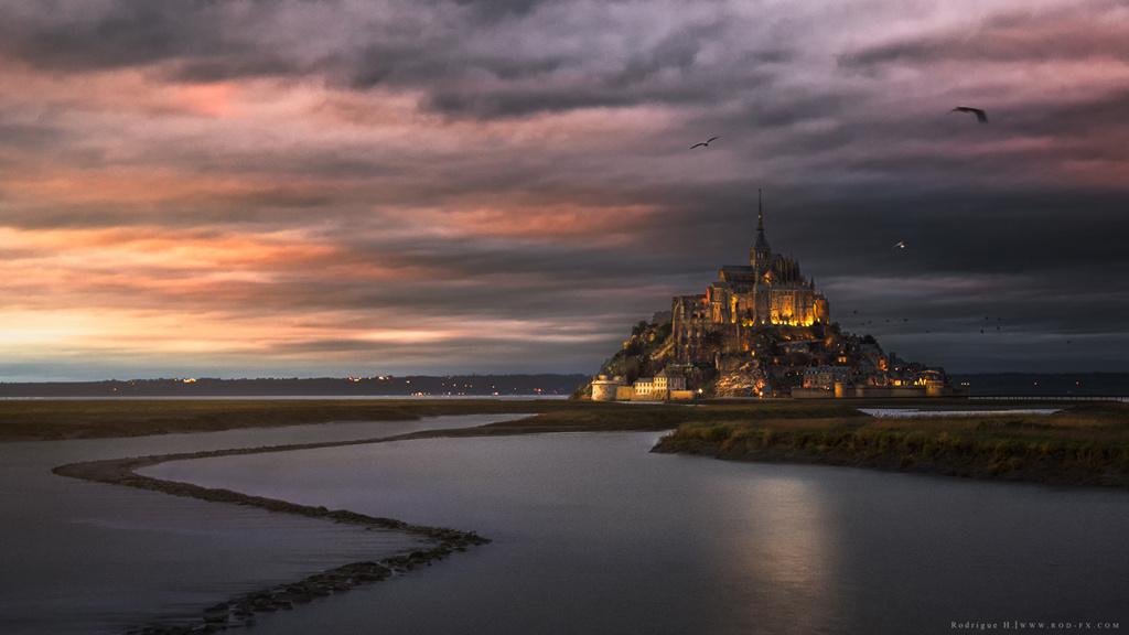 Mont St Michel by Rodrigue El Hajj