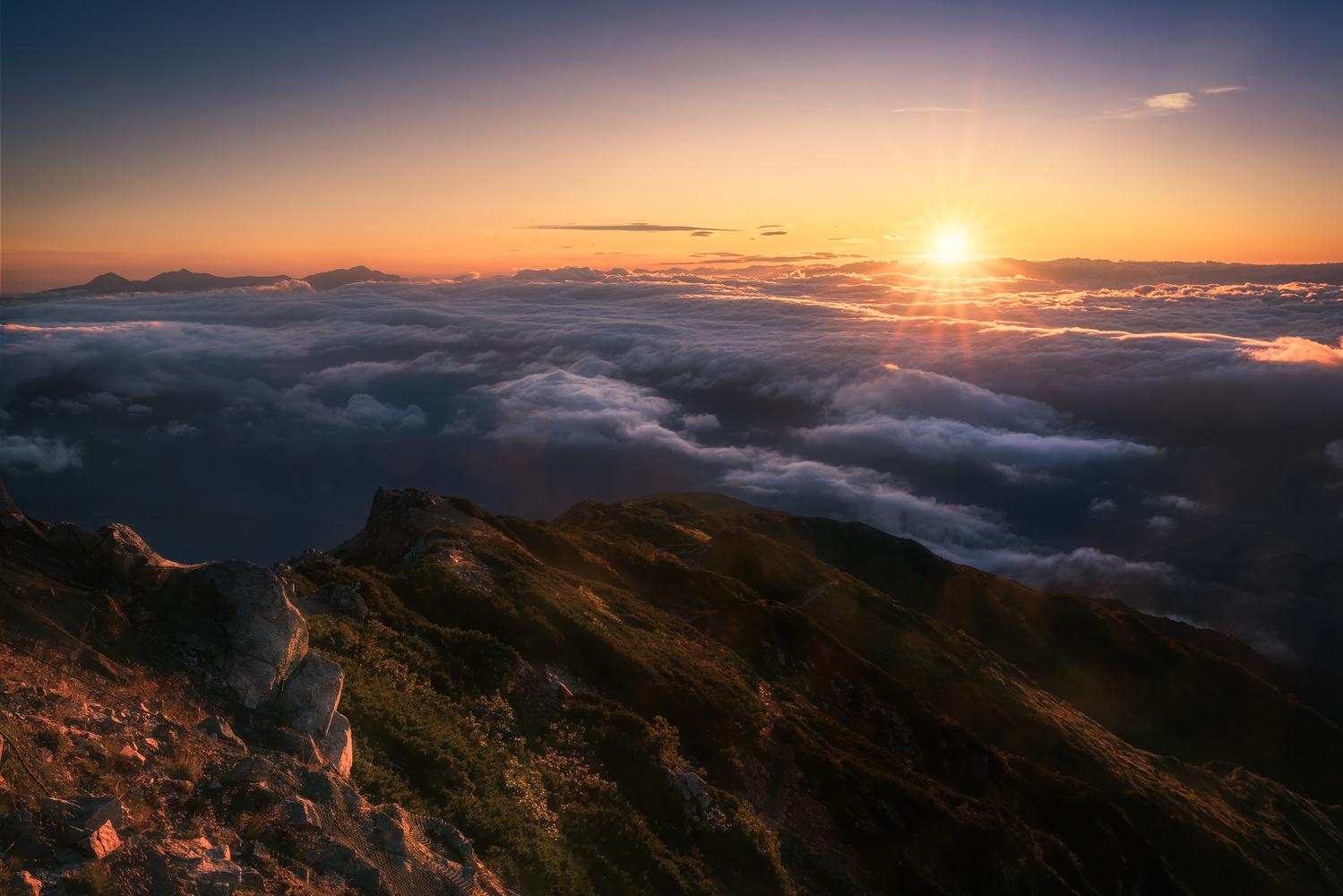 The morning sun by Shumon Saito