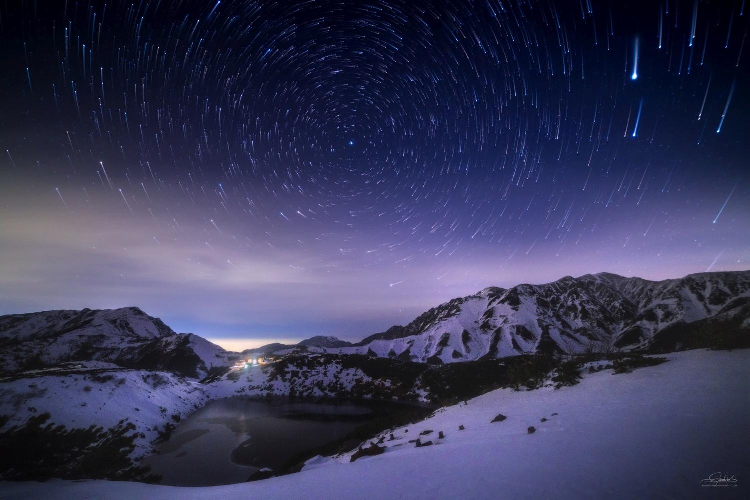 Falling stars by Shumon Saito