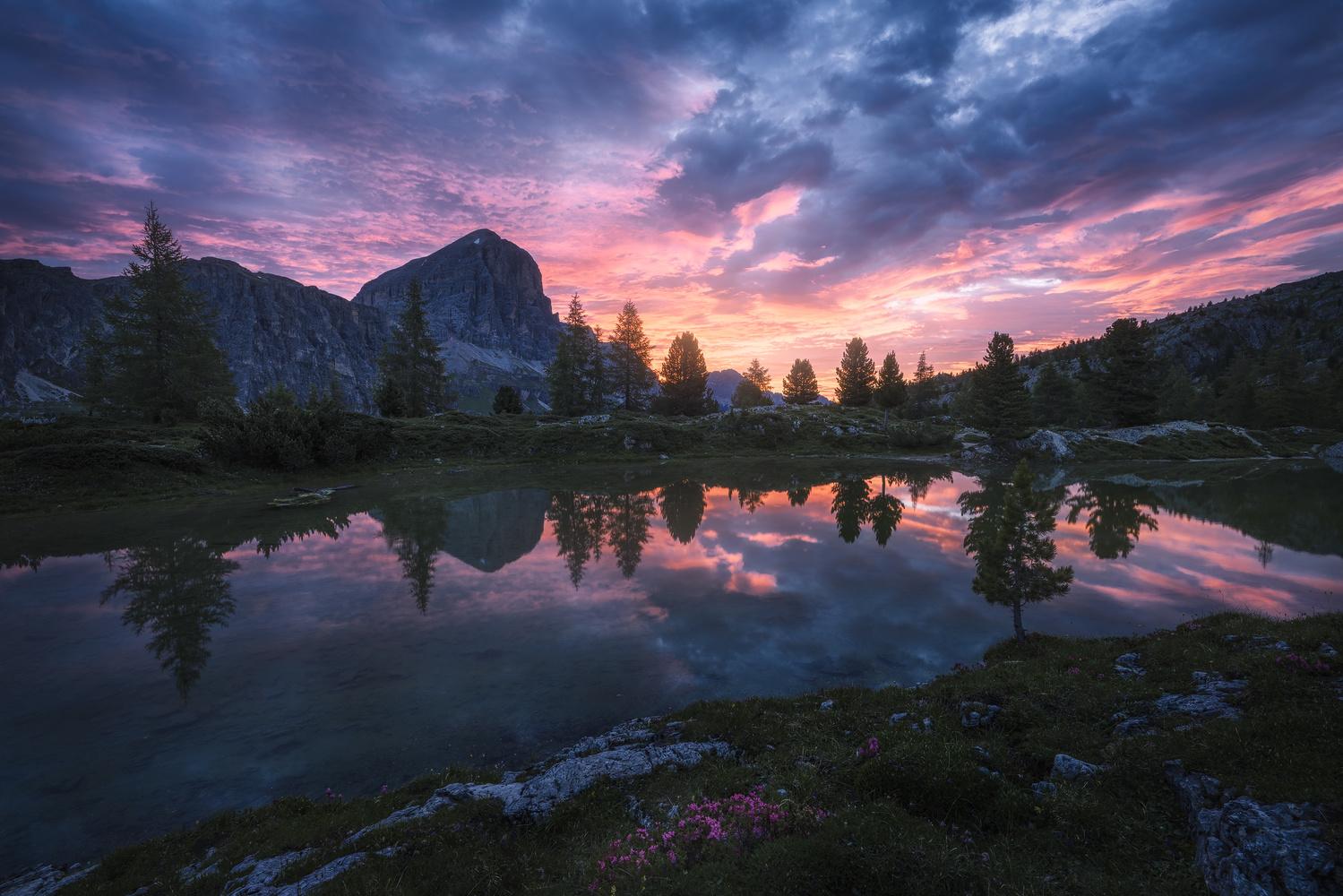 Lago di Limedes by Shumon Saito