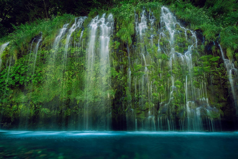 Mossbrae Falls by Shumon Saito