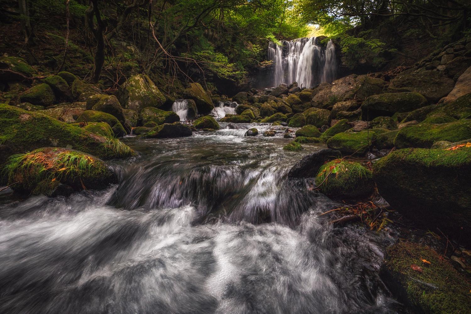 Otome waterfall by Shumon Saito