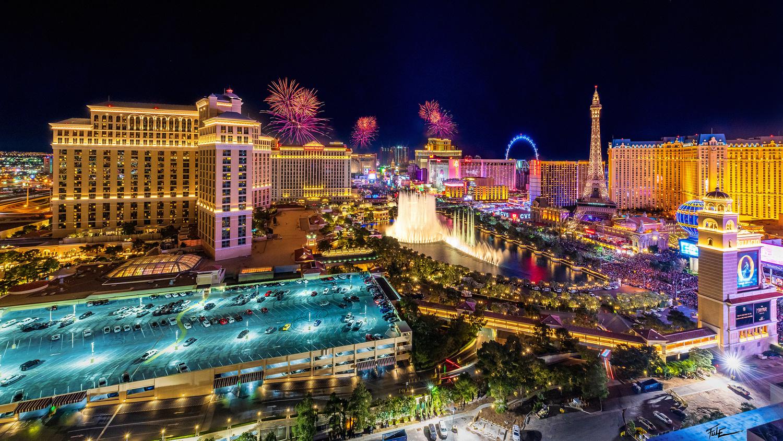 Fireworks on Las Vegas strip by Phuoc Le