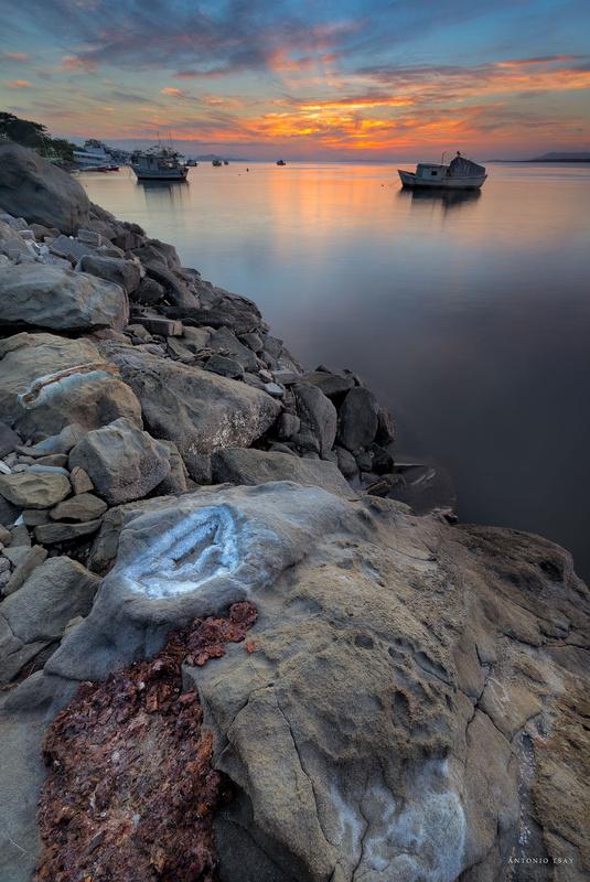 Lonely sunset by Toni Tsay