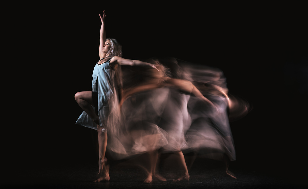 Contemporary Dance by Edgar Pereira